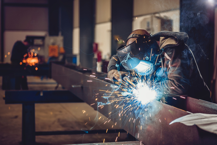 3 Strategies for Outlasting Commoditization in the Metals Industry